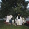 Ranní déšť zkrápí posvěcovaný strom