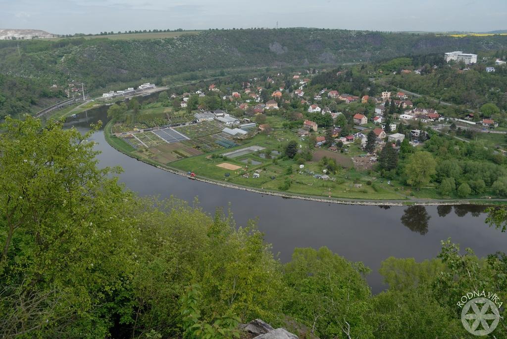 Výlet na hradiště severně od Prahy