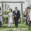 Nevěsta s otce přichází na místo obřadu
